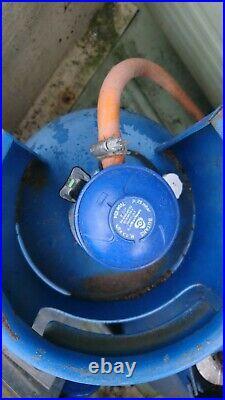 2 CARAVAN GAS CANISTERSUSED 7kg AND 4.5kg CALOR GAS BUTANE GAS BOTTLES